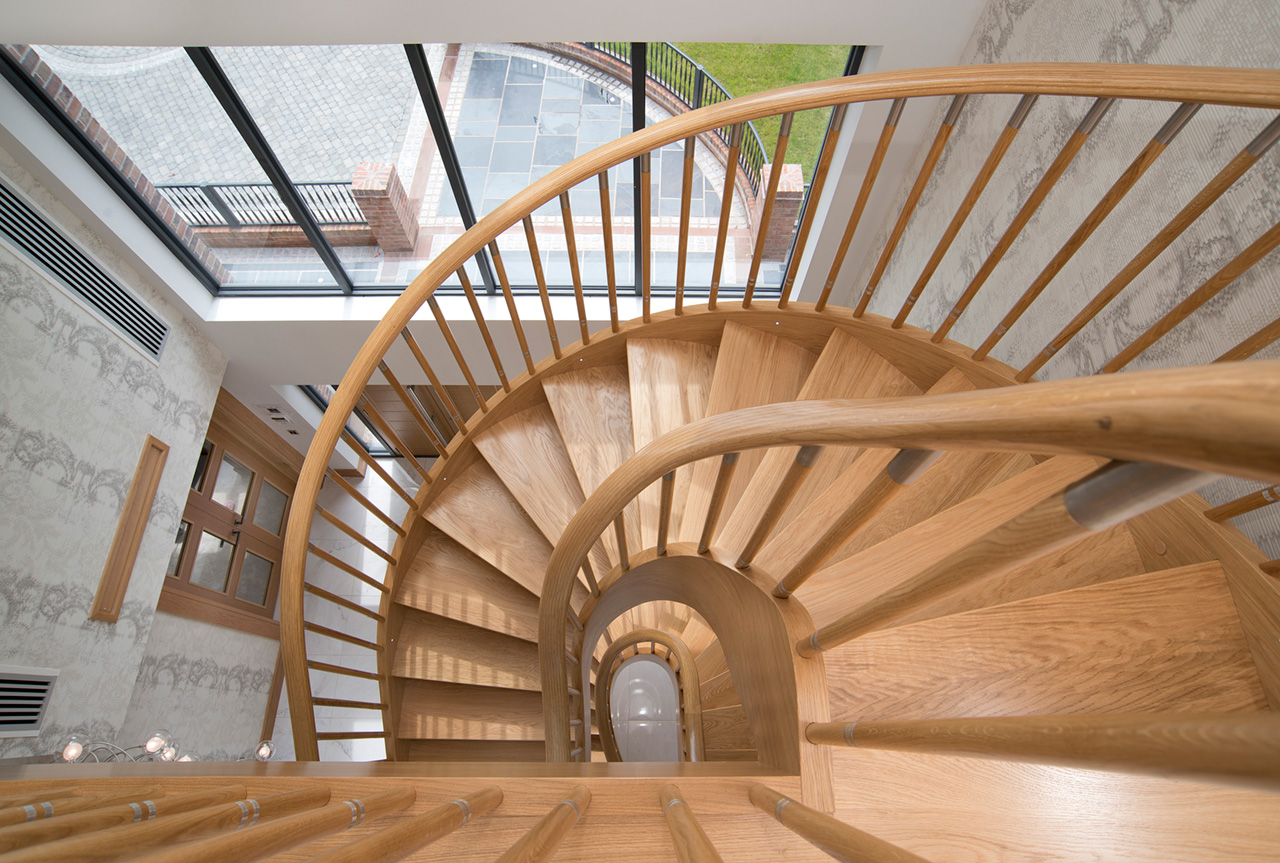 07-Spiral-stair-in-private-house-in-Lancashire-w